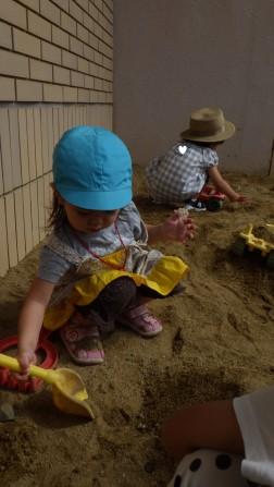 パピー 砂あそび①